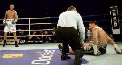 Смотрите фотогалерею Миккель Кесслер нокаутирует Маркуса Байера в третьем раунде
