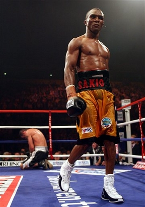 Joe Calzaghe Of Wales Left Kneels Hurt From A Low Blow By Australian Based Sakio Bika on joe calzaghe wife