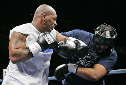 Mike Tyson -VS- Corey Sanders