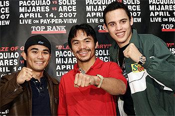 Смотрите фотогалерею Брайан Вилория, Мэнни Паккьяо и Хулио Сезар Чавес-младший на пресс-конференции в Лас-Вегасе