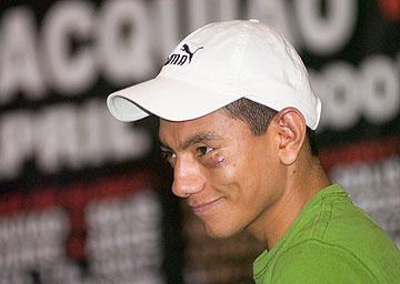 Смотрите фотогалерею Кристиан Михарес на пресс-конференции после боя