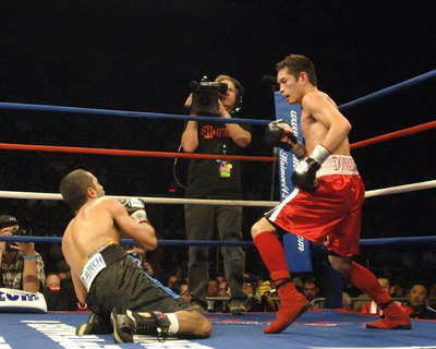 http://www.boxnews.com.ua/photos/1242/Vic-Darchinyan-Donaire2.jpg