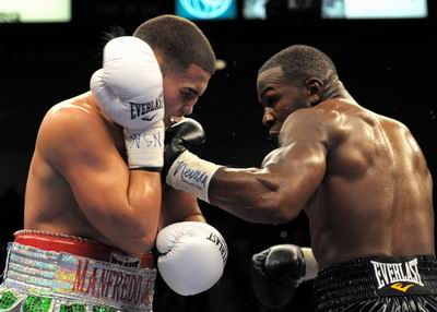 See gallery Jeff Lacy vs Peter Manfredo Jr.
