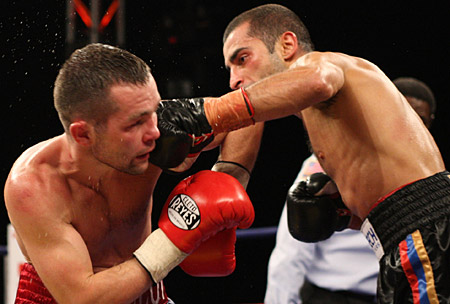 See gallery | Dimitri Kirilov vs Vic Darchinyan  © Tom Casino