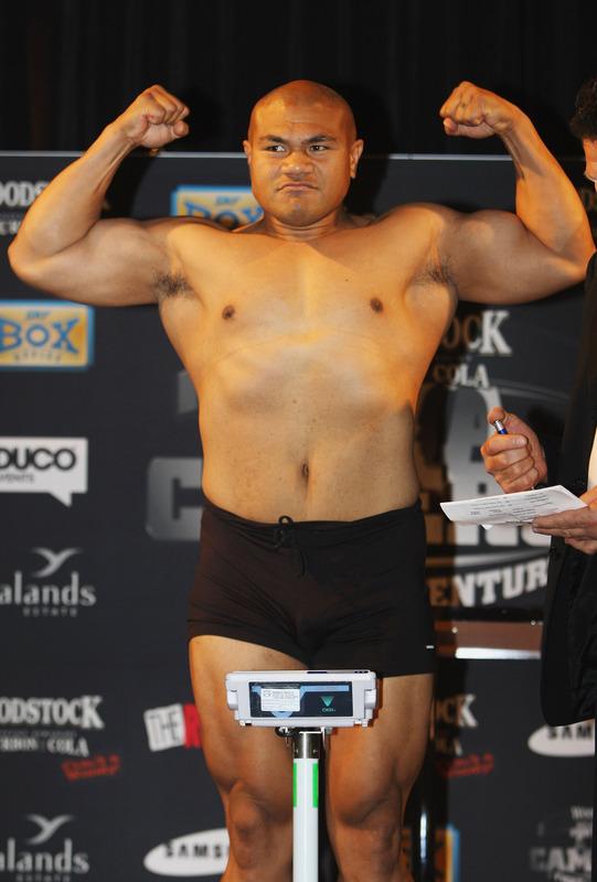 David Tua heavyweight boxers- 30 inch legs, 19.5 inch arms ...  David Tua heavy...
