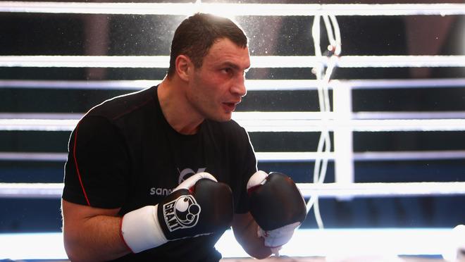 Смотрите фотогалерею Виталий Кличко во время открытой тренировки