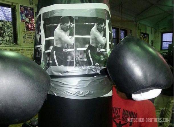 Смотрите фотогалерею Тренировочный мешок Брайанта Дженнингса