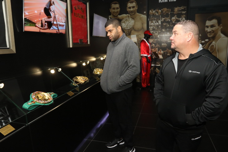 Смотрите фотогалерею Педро Родригес в Музее достижений братьев Кличко
