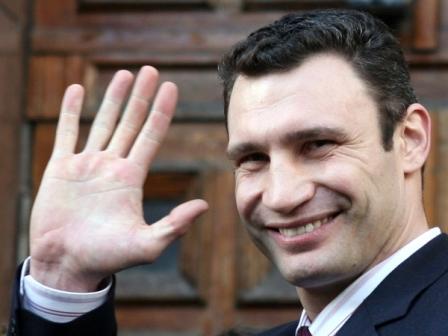Кличко просит власть обратить внимание на Киев