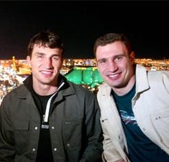 Смотрите фотогалерею Виталий и Владимир Кличко в Лас-Вегасе