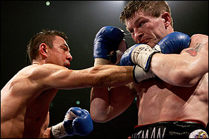 "The image ""http://www.boxnews.com.ua/photos/637/Ricky%20Hatton%20vs%20Kostya%20Tszyu12.jpg"" cannot be displayed, because it contains errors."