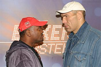 Valuev vs. Donald (Foto via www.boxnews.com)